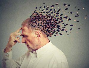 Alzheimer'ın hafıza problemleri dışında 7 erken belirtisi