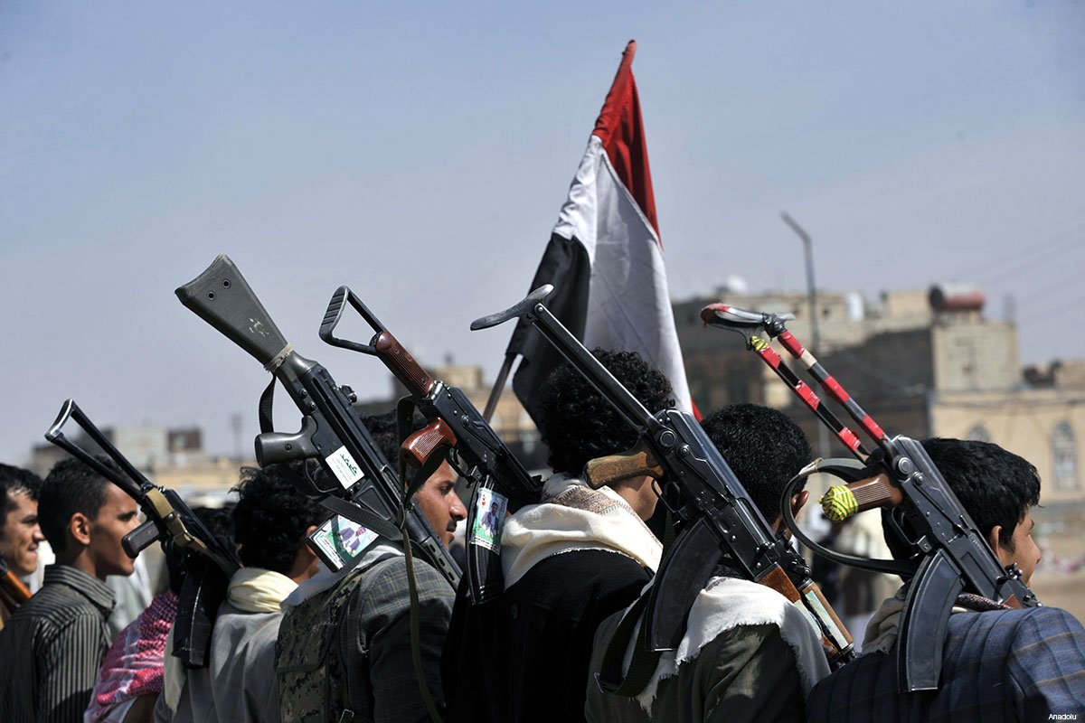 Husiler, Marib'i balistik füzelerle vurdu