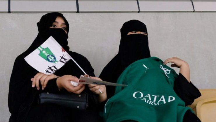 Suudi Arabistan'da kadınlara orduya katılma hakkı verildi