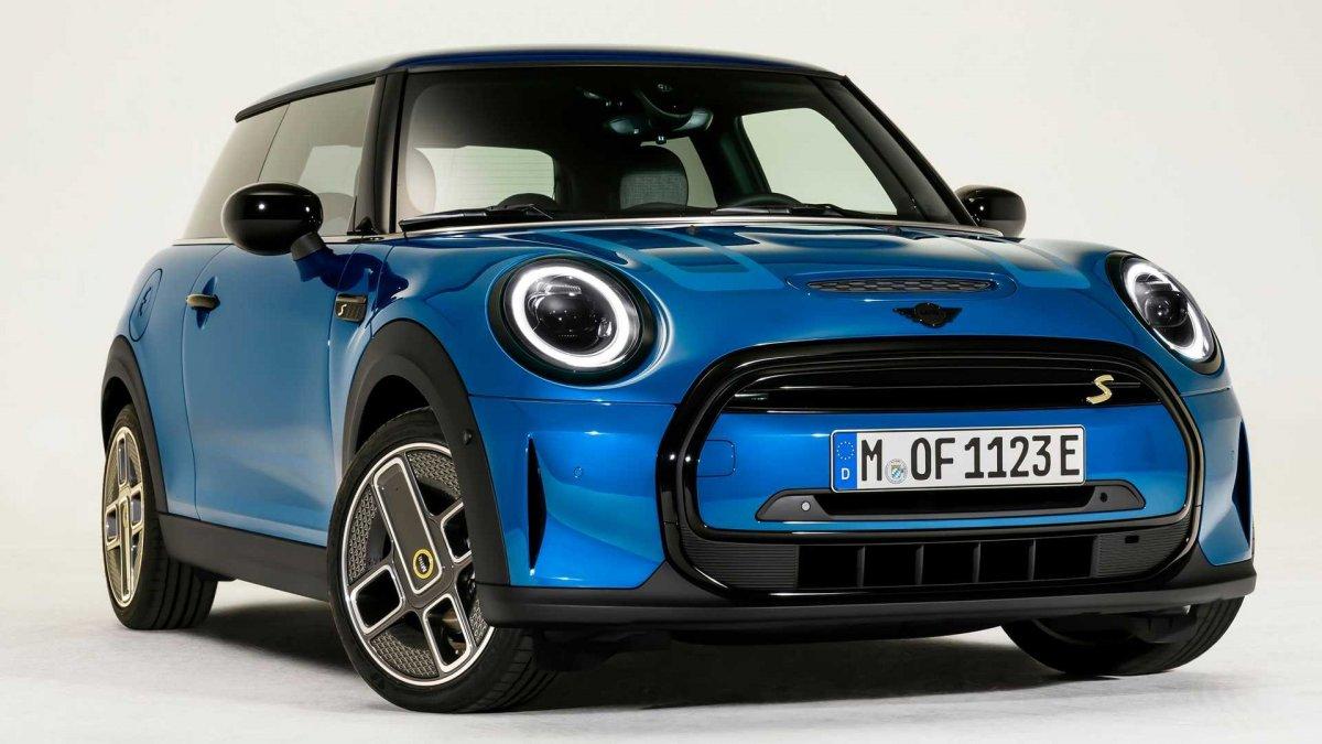 Yenilenen Mini Cooper modelleri Türkiye'ye geliyor