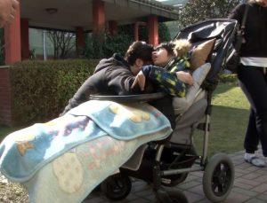 Çılgın Sedat'ın evinde yangın! Engelli oğluna sarılıp gözyaşlarına boğuldu