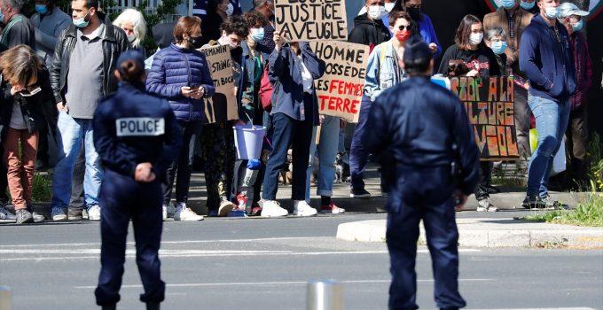 Macron'a protesto şoku! İstifaya davet edildi