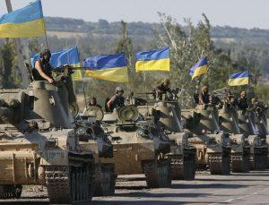 Adım adım savaşa doğru giden Donbass'a yığınak sürüyor