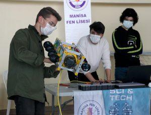 Lise öğrencileri TEKNOFEST 2021 için insansız su altı robotu geliştirdi