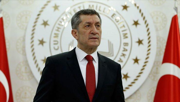Milli Eğitim Bakanı Ziya Selçuk'tan binlerce öğrenciye müjde