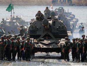 Rusya, büyük tatbikata başladı: 40'tan fazla gemi, 10 binin üzerinde asker