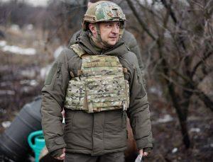 Ukrayna Devlet Başkanı Vladimir Zelenskiy'den orduya moral ziyareti