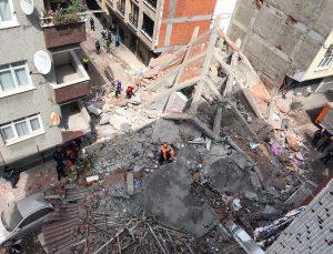 İstanbul Zeytinburnu'nda 5 katlı bina çöktü