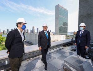 Çavuşoğlu New York'ta yapımı bitmek üzere olan Türkevi binasını gezdi