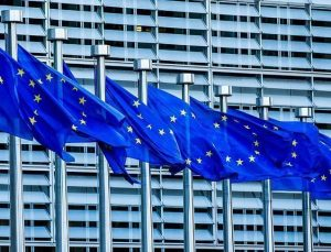 AB Komisyonu'ndan 'seyahat kısıtlamasını kaldırma' önerisi