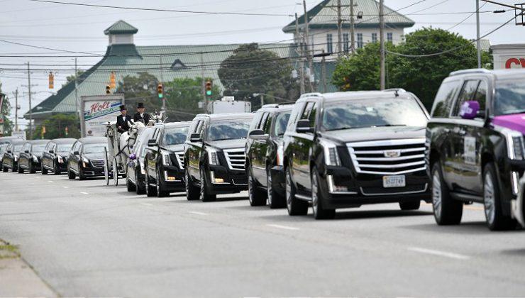 ABD'de polis tarafından öldürülen siyahi Andrew Brown için cenaze töreni yapıldı