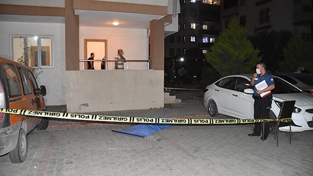 Adana'da 13. kattan düşen çocuk hayatını kaybetti