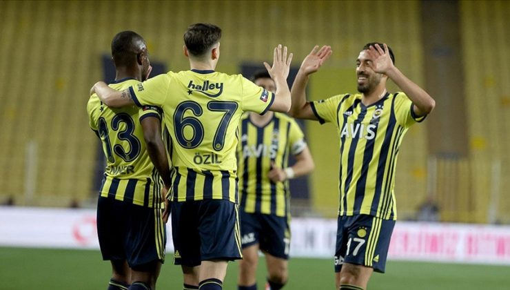 Fenerbahçe, evinde BB Erzurumspor'u 3 golle mağlup etti