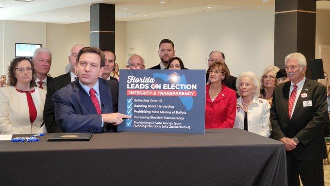 Florida Valisi DeSantis, uzaktan oy kullanma işlemlerini düzenleyen tasarıyı onayladı