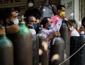 Hindistan'da 688 binden fazla hasta için tıbbi oksijen ihtiyacı var