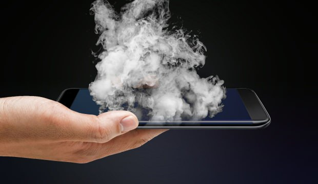 Patlayan iPhone için milyon dolarlık tazminat istiyor