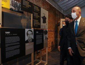 """""""Şehit Diplomatlar Sergisi"""" New York'ta Çavuşoğlu'nun katılımıyla açıldı"""