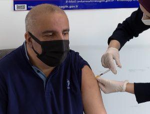 Muhtarlara Covid-19 aşısı yapılmaya başlandı