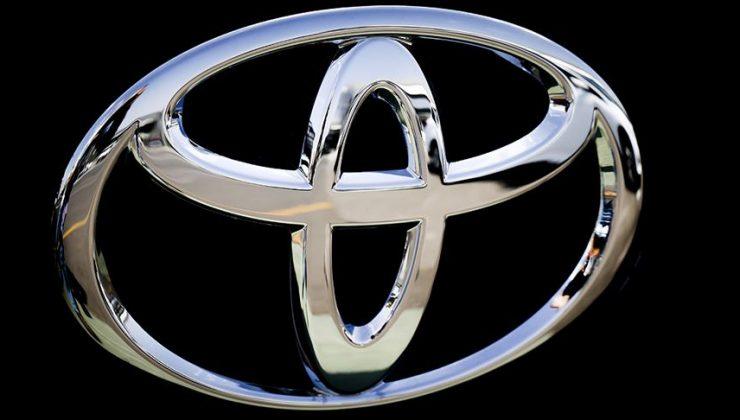 Toyota, üç tesisinde üretimi durdurdu