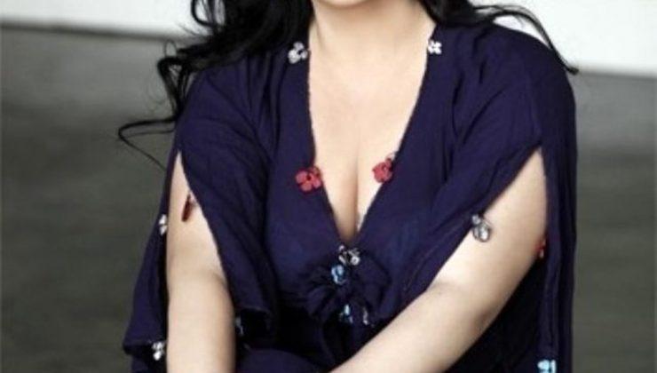 İki kez kanseri yenen şarkıcı Gülay hastaneye kaldırıldı