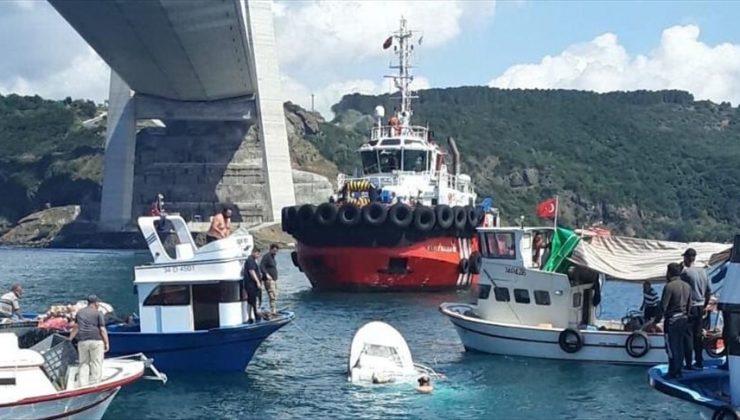 İstanbul Boğazı'nda gemi ile balıkçı teknesi çarpıştı