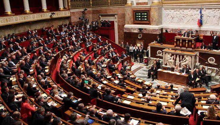 """Fransa'da """"İslamofobik yasa"""" Anayasa Konseyine taşındı"""