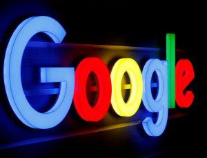 Google'dan itiraf: Asistan sizi gizlice dinliyor!