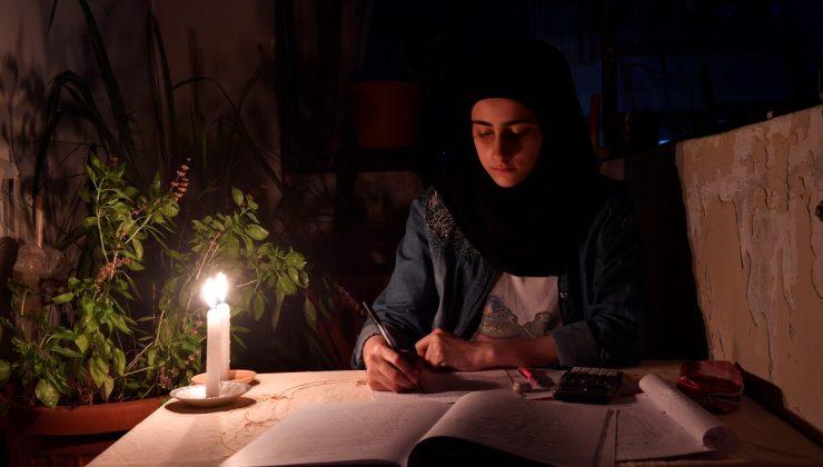 Lübnan`da günlük elektrik kesintileri 22 saati buluyor