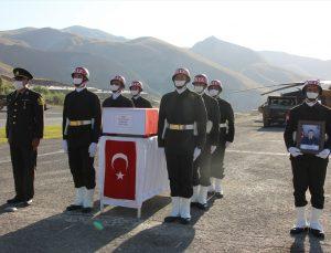 Pençe Harekatı'nda şehit olan asker için Hakkari`de tören düzenlendi