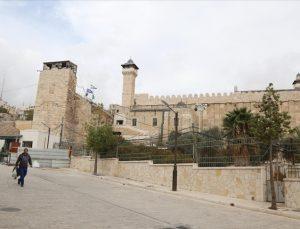 Filistin: İsrail caminin kimliğini değiştirmeyi hedefliyor