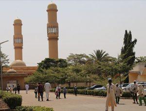 Nijerya'da Katolik bir Papaz öncülüğünde, cami inşa edildi