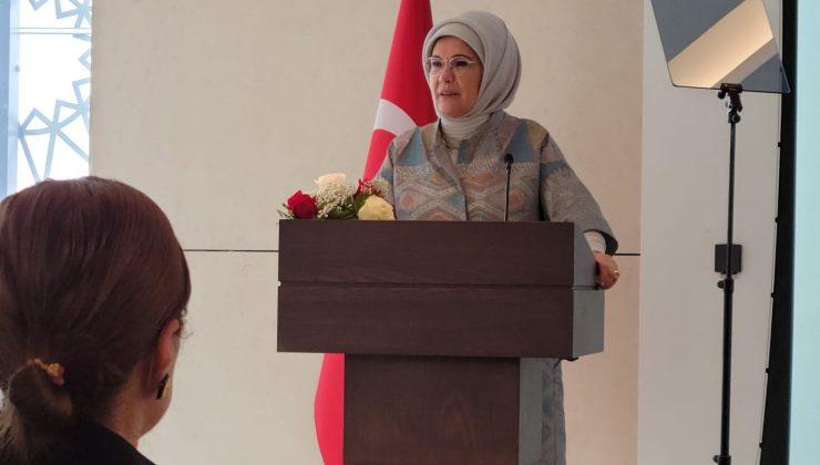 """Emine Erdoğan'dan kadınlara """"sürdürülebilir dünya inşa edelim"""" çağrısı"""