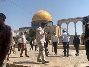 Fanatik Yahudilerden Mescid-i Aksa`ya baskın