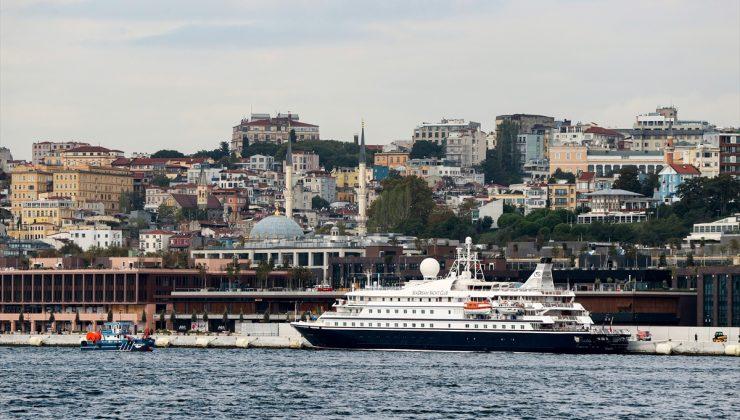 Galataport'ta ilk gemi