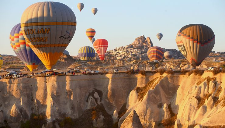 Kapadokya'da tepelere akın var