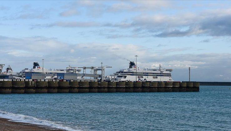 İngiliz limanında konteynerler birikiyor