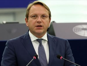 AB Komisyonu Üyesi Varhelyi: Türkiye kilit ortak olmaya devam etmekte