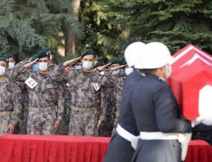 Şehit özel harekat polisleri için Gaziantep'te tören